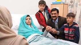 Die 15-jährige Malala überlebt den Angriff der Taliban.
