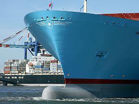 Echte Seebären lesen den Zustand der Weltwirtschaft am Tiefgang der Containerschiffe ab.