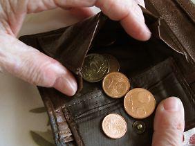 Für viele Arbeitnehmer könnte das Geld im Alter knapp werden.