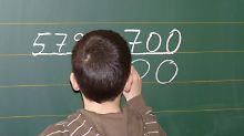 Das Unterrichtsfach Mathe löst bei vielen Schülern Angstschweiß aus - einige erleiden sogar körperlichen Schmerz.