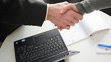 Anlageberatung ist Vertrauenssache. Um Kunden vor Falschberatung zu schützen, überwacht die Bafin die Arbeit der betreffenden Mitarbeiter in den Banken.