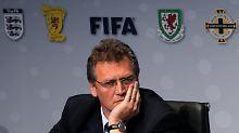 Fifa-Generalsekretär Jerome Valcke konnte die Präsentation der Chip-Ballhersteller nicht überzeugen.