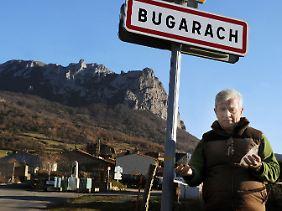 Der Bürgermeister von Bugarach, Jean-Pierre Delord, in seinem Dorf.