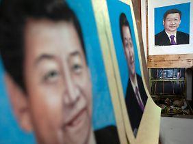 Die Gemälde mit dem Bild von Xi Jinping sind bereits fertig.