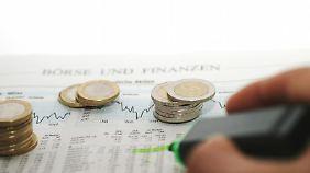 Wer seine Aktien vor 2009 gekauft hat, muss beim Verkauf keine Steuer zahlen. Foto: dpa-infocom
