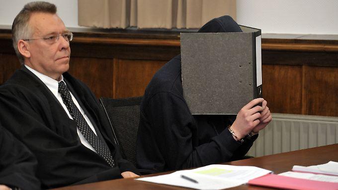 Der Täter im Gerichtssaal.