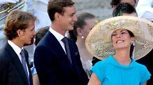 Prinzessin Caroline und ihre Söhne Andrea (l) und Pierre Casiraghi. Andrea Casiraghi wird Vater. Er hat seiner Langzeitfreundin Tatiana Santo Domingo bereits im Sommer die Ehe versprochen.
