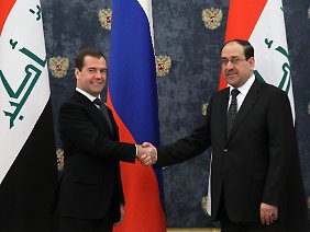 """""""Der Vertrag wurde annulliert"""": Nuri al-Maliki (r.) mit Ministerpräsident Dimitri Medwedew Anfang Oktober in Moskau."""