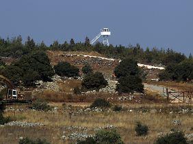 Offenbar waren in den vergangenen Tagen mehrere Granaten auf die israelisch besetzten Golan-Höhen abgefeuert worden.