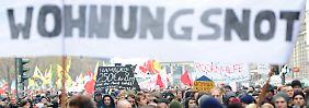 """Protestaktion in Hamburg: Groß- und Universitätsstädte steuern auf eine """"mittlere Katastrophe"""" zu."""