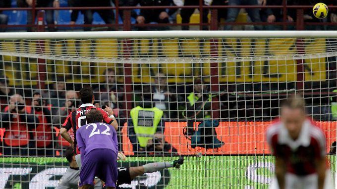 Drüber statt drin: Alexandre Pato beim Strafstoß gegen den AC Florenz.