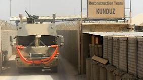 Sieht nicht sehr friedlich aus: Versorgungskonvoi der Bundeswehr im Feldlager in Kundus.