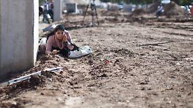 In Städten in Reichweite des Gazastreifens heulen immer wieder die Sirenen.