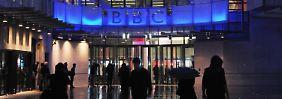 Über 20.000 Menschen weltweit arbeiten für die BBC.