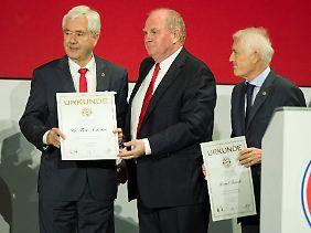 Der Präsident verabschiedet Fritz Scherer (links) und Bernd Rauch.