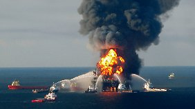 """Explosion der """"Deepwater Horizon"""": BP zahlt Milliardenstrafe"""