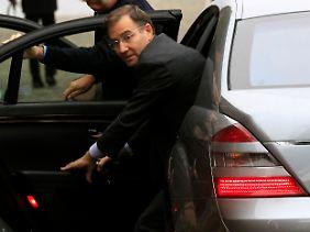 Reist mit dem Auto nach Zug: Glencore-Chef Ivan Glasenberg bei der Ankunft.