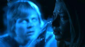 Suttons Geistermaschinen-Ich: blau, fluoreszierend und irgendwann auch böse.
