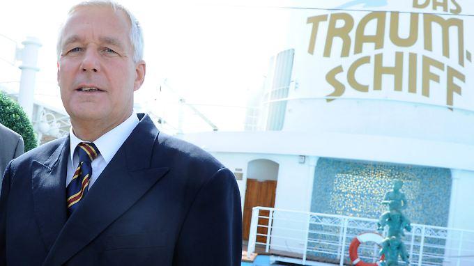 """27 Jahre lang diente Jungblut der Reederei Deilmann, 13 davon steuerte er das """"Traumschiff""""."""