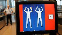 Die neuen Scanner zeigen keine realistischen Körperbilder: Hier der Einsatz der vorigen Gerätegeneration in Hamburg.