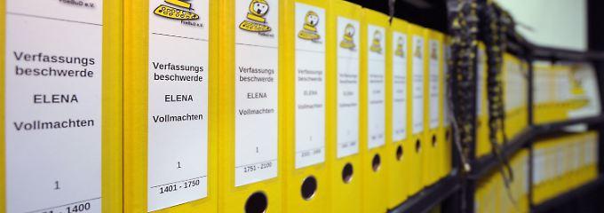 """Die Verfassungsbeschwerden gegen """"Elena"""" füllen 60 Aktenordner."""