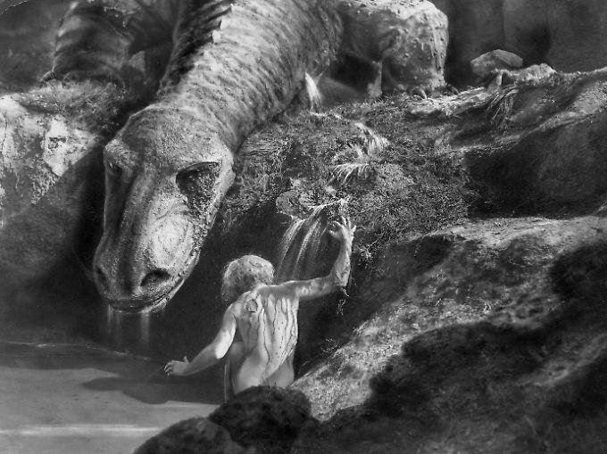 Die Uraufführung des ursprünglich zweiteiligen Films fand 1924 statt.