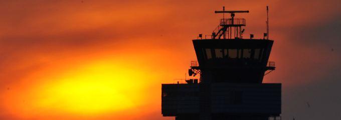 Vulkanasche in der Atmosphärenschicht: Die Flieger bleiben am Boden.