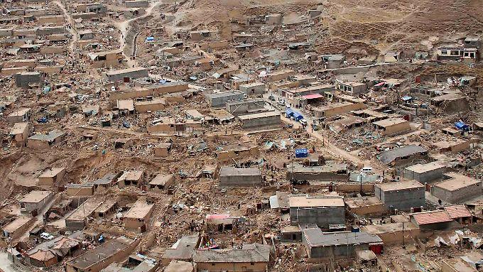 Blick auf die Zerstörungen um die Stadt Yushu.