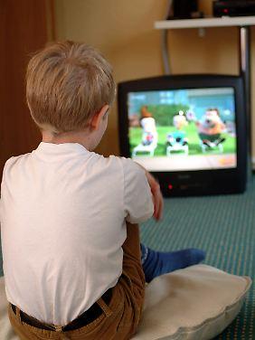kleinkinder vor der glotze zuviel tv macht dick und dumm n. Black Bedroom Furniture Sets. Home Design Ideas