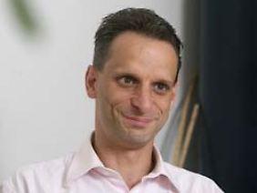 """Mathias Binswanger ist Professor für Volkswirtschaftslehre an der Fachhochschule Nordwestschweiz. Im Herbst erscheint sein Buch """"Sinnlose Wettbewerbe: Warum wir immer mehr Unsinn produzieren""""."""