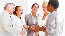 Mehr als belangloses Geplänkel: Small Talk kann im Job ein Türöffner sein.