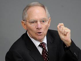 Merkel ließ klären, Schäuble klärte und stellte dann klar.