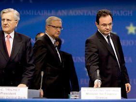 Die Euro-Entscheider: EZB-Chef Jean-Claude Trichet, Griechenlands Finanzminister George Papakonstantinou, Eurogruppen-Chef Jean-Claude Juncker und EU-Wirtschaftskommissar Olli Rehn (von lks.).