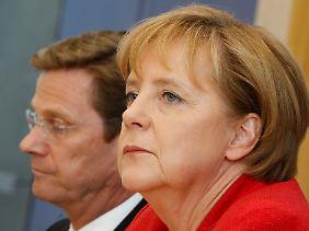 Kanzlerin Angela Merkel und ihr Vize Guido Westerwelle beider Vorstellung des Sparpakets.