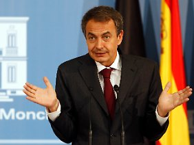 Ministerpräsident Zapatero in der Defensive. Er will die Sparvorgaben der EU bis 2011 erfüllen.