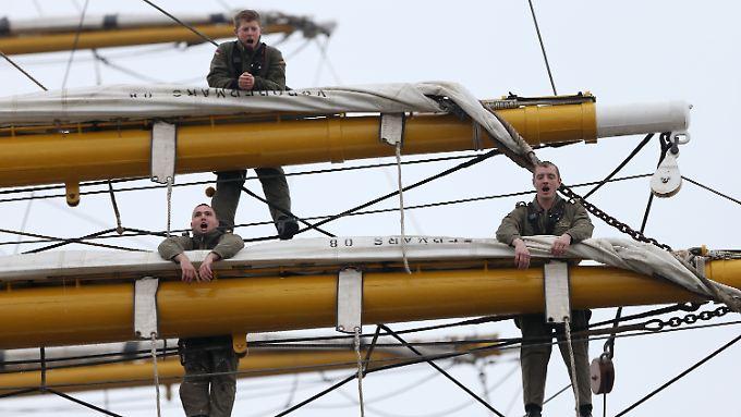 Zwei Jahre nach Todessturz: Gorch Fock sticht wieder in See