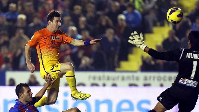 Lionel Messi trifft und trifft und trifft, schon 82 Mal in Pflichtspielen 2012.