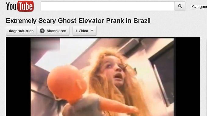 Wie aus einem Horrorfilm entstiegen: Das kleine Mädchen. (youtube.com / Screenshot n-tv.de)