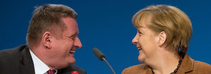 Übernehmen, ablehnen oder überweisen - CDU-Chefin Merkel und Generalsekretär Gröhe können die Linie vorgeben. Die Entscheidungen fällt der Parteitag.