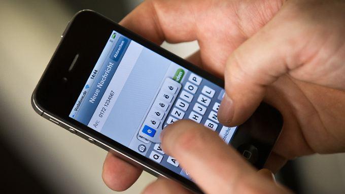 Google könnte sich schon bald WhatsApp unter den Nagel reißen.