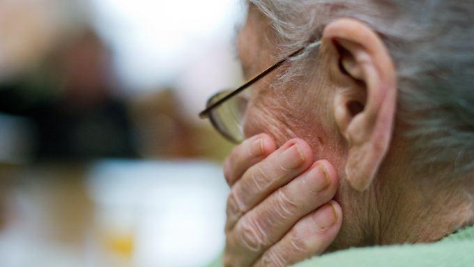 Fehlendes Frühwarnsystem: Alte Menschen können die Gesichtszüge ihres Gegenüber schlechter einschätzen.