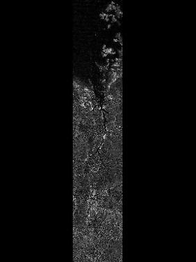 Das hochauflösende Bild zeigt, wie Flüssigkeit über die Oberfläche des Titans fließt. Oben ist der Kraken Mare zu sehen.