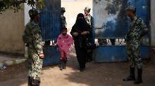 Wahltag in Ägypten: 120.000 Soldaten helfen der Polizei, für Ruhe zu sorgen.