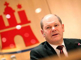 Bürgermeister Olaf Scholz im Glück.