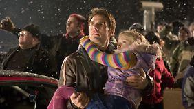 """Na hoppla! Auch in """"Krieg der Welten"""" von Steven Spielberg, mit Tom Cruise, werden Kinder durch die untergehende Welt getragen."""
