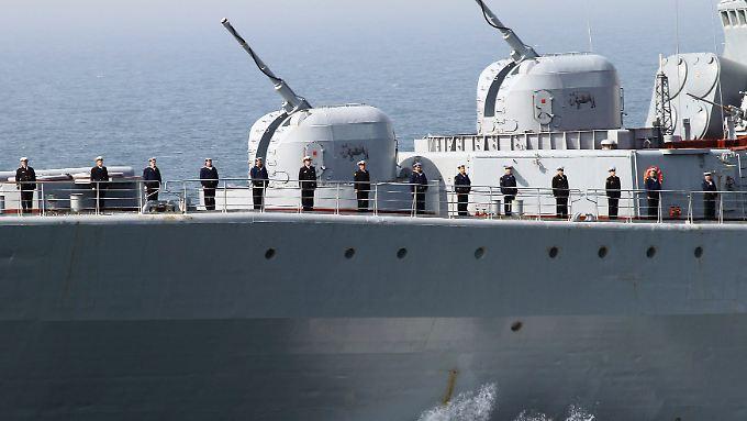 Russland verlegt mehrere Schiffe vor die syrische Küste.