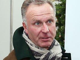 Von vorweihnachtlicher Besinnlichkeit war bei Karl-Heinz Rummenigge nach dem Pokalsieg in Augsburg nicht viel zu merken.