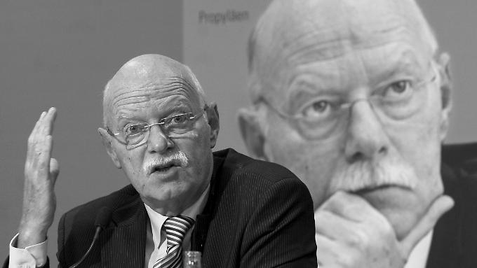 Von 2002 bis 2005 war Struck Bundesverteidigungsminister.