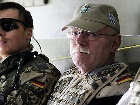 Unterwegs mit den Kameraden: Struck im Bundeswehr-Transporthubschrauber CH 53.