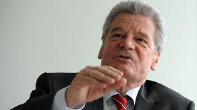 Die Weihnachtsansprache ist für den Theologen Gauck eine besondere Herausforderung.
